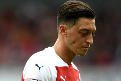 Emery: Ozil must expect criticism