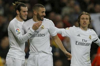 La Liga: Real Madrid survive scare