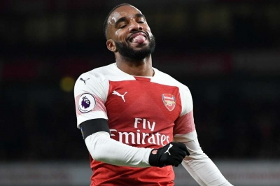 Lacazette banned for Rennes games
