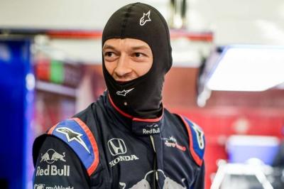 F1 testing: Kvyat snatches top spot