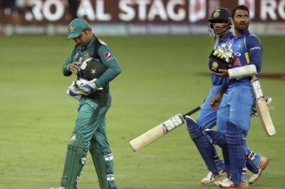 Clamour for Ind-Pak match boycott grows