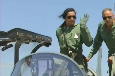 PV Sindhu co-pilots Tejas at Aero India