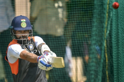 Kohli gives tips to WC-bound Team India