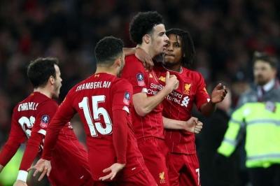 Jones signs new Liverpool deal