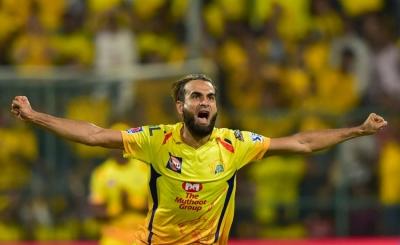 Tahir gives leg-spin tips to Parag