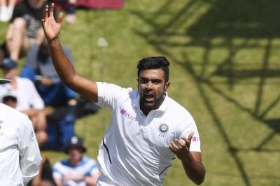 Murali predicts 800 wickets for Ashwin
