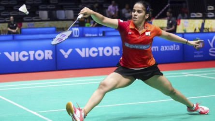 Saina in second round, Kashyap ousted