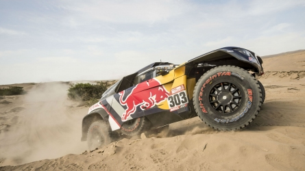 Peterhansel wins Dakar's eighth stage, Sainz leads overall