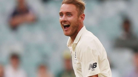 Broad reaches 400 Test wickets