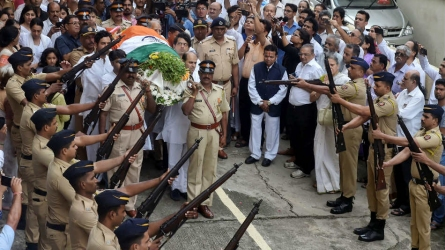 Wadekar cremated with state honours