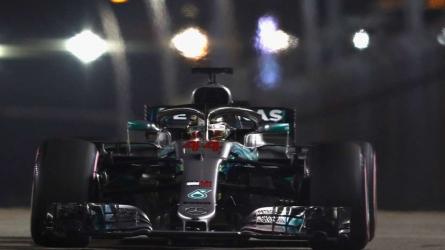Hamilton gets crucial Singapore pole