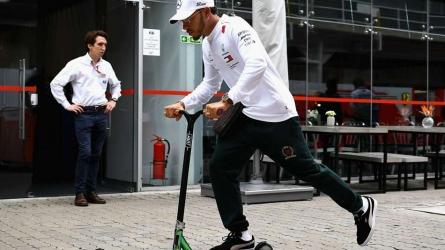 Hamilton threatens to quit F1