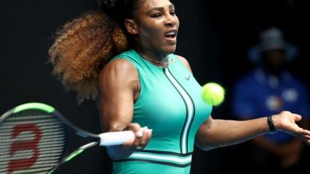 Serena steamrolls Maria at Aus Open