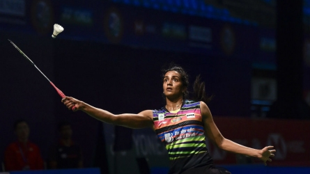 Sindhu, Saina in round 2 at Singapore