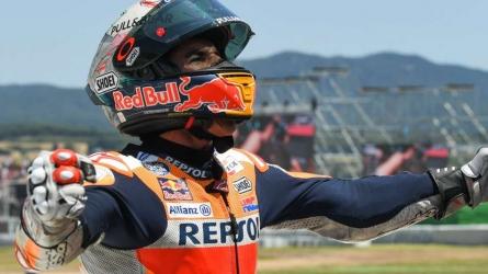 Marquez wins after Catalunya chaos