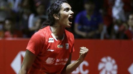 China Open: Sindhu wins, Saina crashes