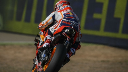 Marquez masters Aragon on Day 1
