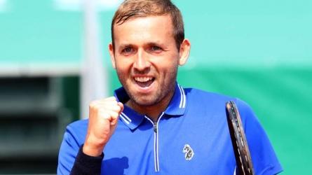 Evans stuns Djokovic in Monte Carlo
