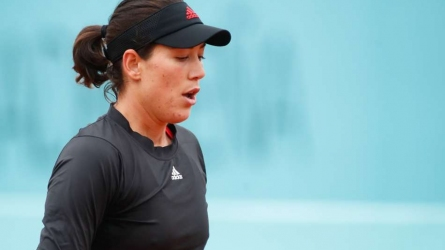 Muguruza through, Bencic ousted