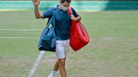 Federer stunned in Halle